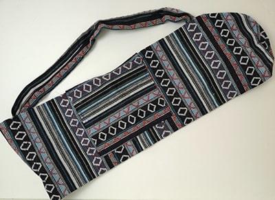 Sac tapis de yoga, noir rouge bleu, gamme éthnique