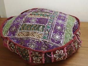 coussin rond, légère épaisseur, dominance violet, gamme mille et une nuits